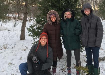 family-christmas-2017-e1534450322286.jpg